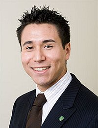 Eddie Ledesma '05, RAVEN Wine Management