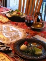 Passover-Seder_table-featured