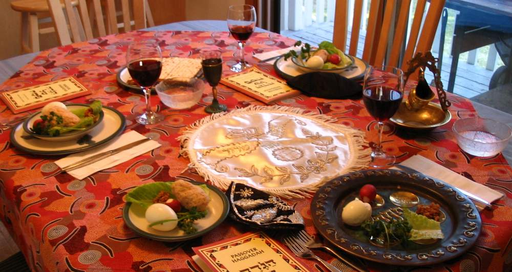 Passover-Seder_table_setting