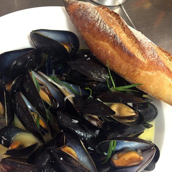 tour-de-stage-bardot-mussels