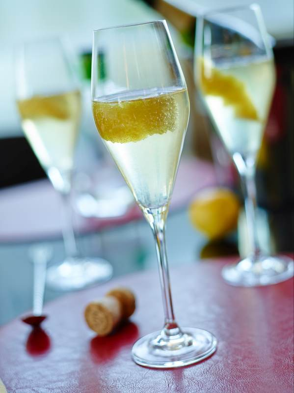 3 Easy Recipes for Your Oscar Night Party Cocktail