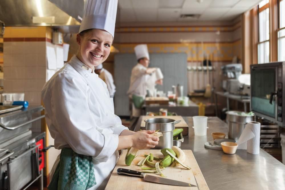 cia 17 best- 3.Female Chef img