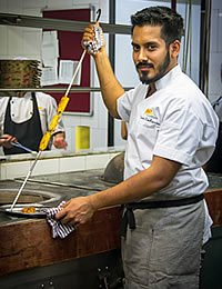 Chef Thomas Zacharias '09, Showcasing Indian Cuisine