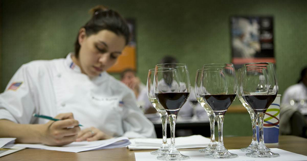 how-to-become-sommelier-og image