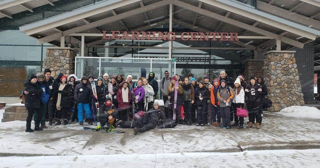 cia students ski hunter slopes image